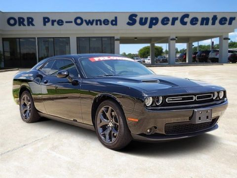 Pre-Owned 2017 Dodge Challenger SXT Plus